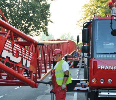 Autodienst-West-Frankfurt-auf-der-Strasse