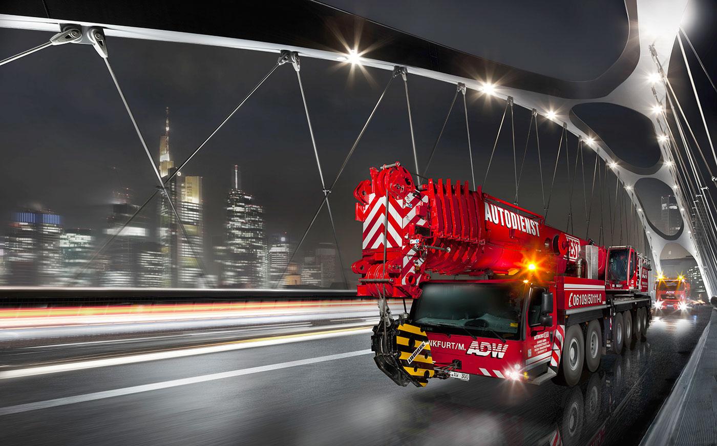 ADW-LTM-300-auf-Bruecke-mit-Skyline