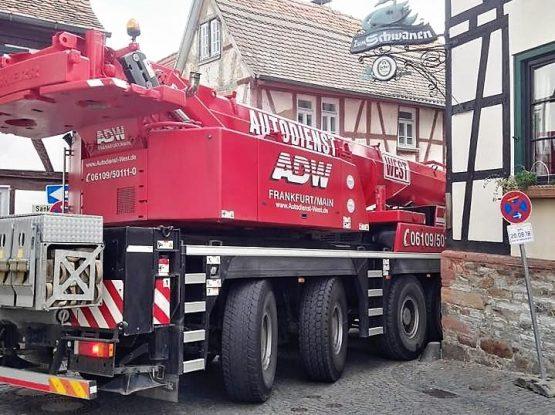 Kranunternehmen, Schwertransporte, Vermietung mit Autodienst West Ganske Frankfurt