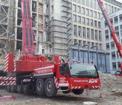 Abrissarbeiten, Kran mieten Frankfurt, Fassadenarbeiten, ADW Frankfurt