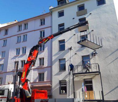 spezialladekran-balkone-setzen-autodienst-west-frankfurt