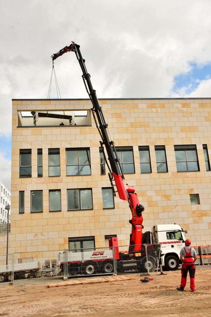 Ladekranarbeiten-Frankfurt-Krandienstleister ADW