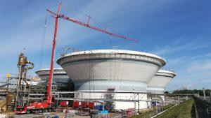 Mobilbaukran am Reaktor - Chemiewerk - ADW