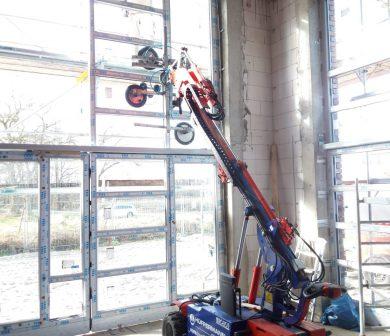 Fassadenarbeiten - Montagegerät für Fenster - ADW