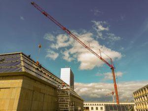 Kran für Glasmontage - Kranarbeiten Frankfurt - Montagearbeiten Dach - ADW