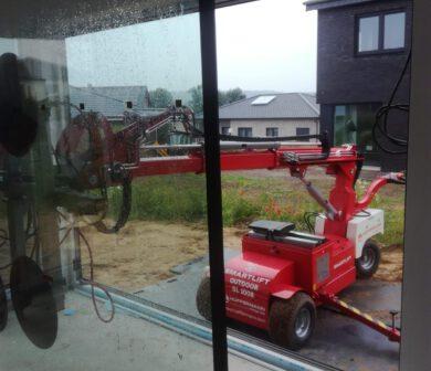 Verglasungsroboter - Glasroboter mieten Frankfurt - ADW - Glasmontage