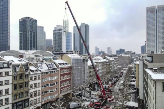 Kranarbeiten - Krandienst Frankurt - ADW - LTM 1230