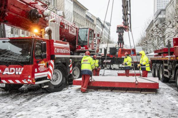 Kranarbeiten - Lastverteilungsplatten - Abstützplatten Kran mieten Autodienst West Frankfurt